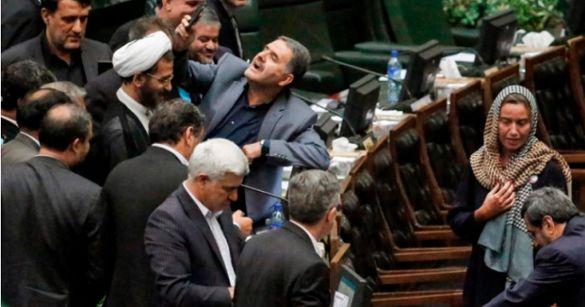 Ιράν: Επικρίσεις σε βουλευτές εξαιτίας μιας ...selfie