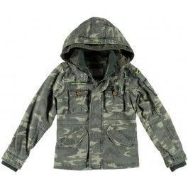 Super hippe camouflage zomerjas van Retour Jeans met vaste capuchon.De jas heeft een ritssluiting en extra drukkers.Aan de voorkant twee steekzakken m ... .