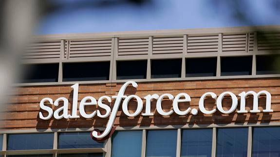 Ex-Facebook CTO sells word processor Quip for $582 million to Salesforce -> http://mashable.com/2016/08/01/salesforce-quip-deal/   A young word processing app just found a new home  for a pretty hefty price tag.   Salesforce the cloud software giant has acquired Quip for $582 million according to the company's filings with the Securities and Exchange Commission Monday.   Founded in 2012 Quip began as a mobile-oriented word processor and collaboration tool that competed with the likes of…