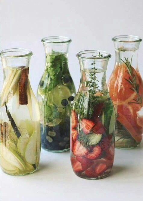Water met een smaakje is de trend van het moment. Verras je gasten met de lekkerste variaties op water gebied.