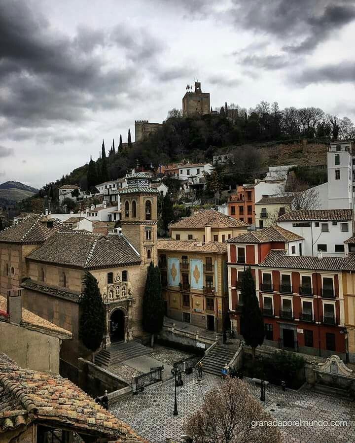 Plaza nueva y la Alhambra, Granada