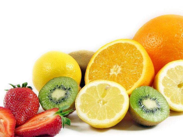 La diabetes es responsable de causar niveles altos de azúcar en la sangre (glucosa). Esto se debe por la falta de producción de insulina o al mal funcionamiento. Tenemos dos tipos de diabetes el tipo 1, que el cuerpo no produce insulina, o en el tipo 2 que no es capaz de utilizar adecuadamente la in