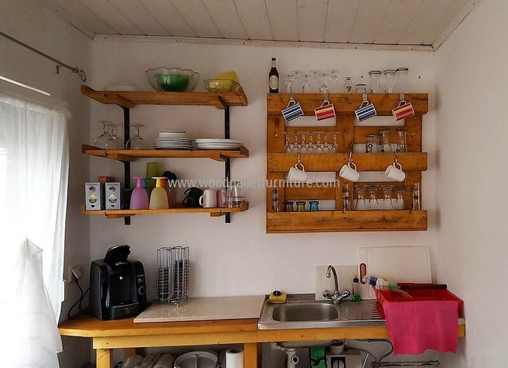 kitchen sheves out of pallets