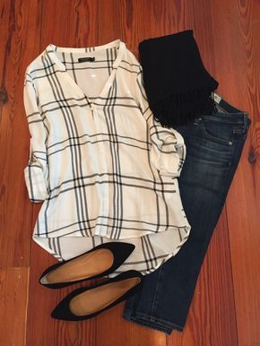 Black & white window pane print blouse, jeans, black flats, & skinnies