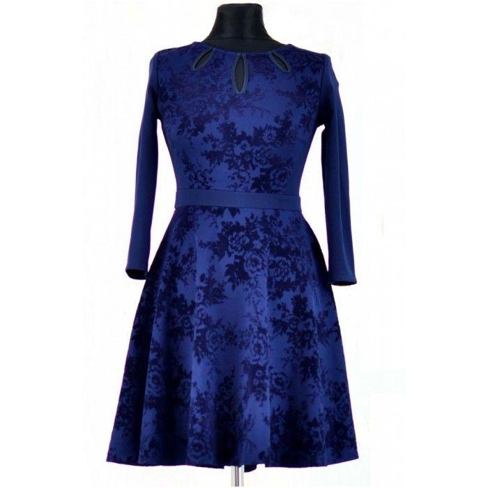 Rochie albastru inchis din jerse cu model din catifea http://iuniq.ro/rochie-albastru-inchis-din-jerse-cu-model-din-catifea
