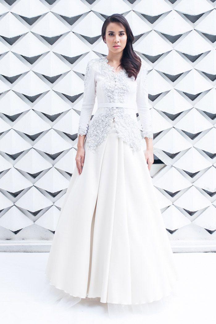Ili Gown - Mimpikita 2014 Bridal Collection. www.theweddingnotebook.com