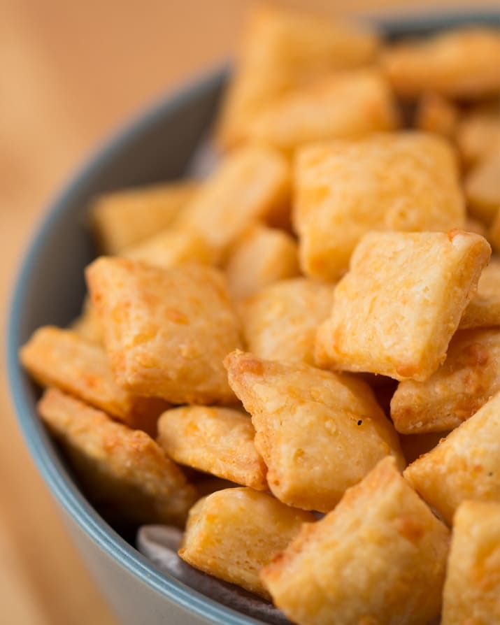 Easy Cheesy Crackers