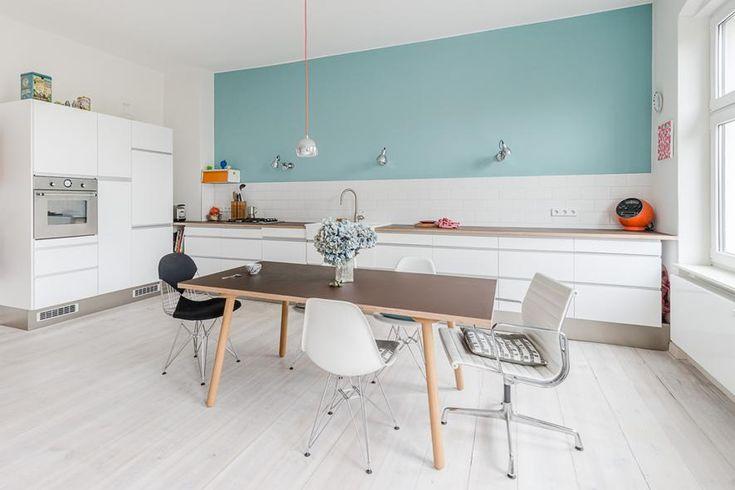 Je me suis amusée à sélectionner des cuisines inspirantes, avec des idées simples pour donner des la personnalité à cette pièce centrale de la maison.