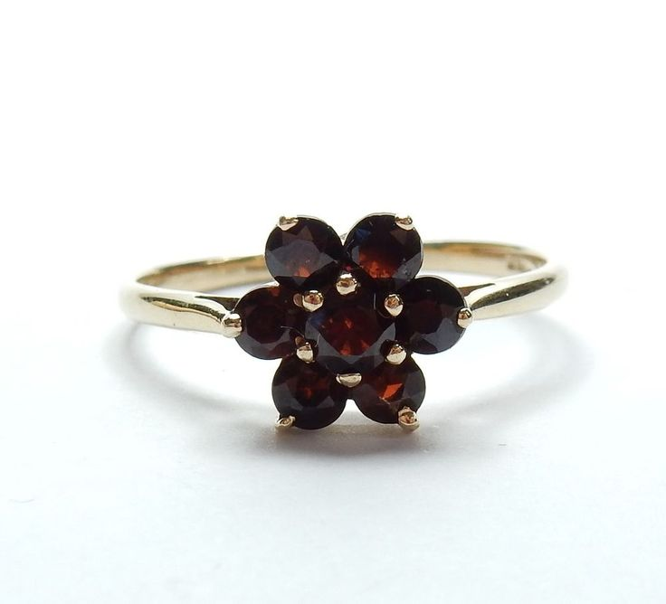 Vintage London 1972 9 Carat Yellow Gold Garnet Daisy Flower Cluster Ring 1.9g #Cluster