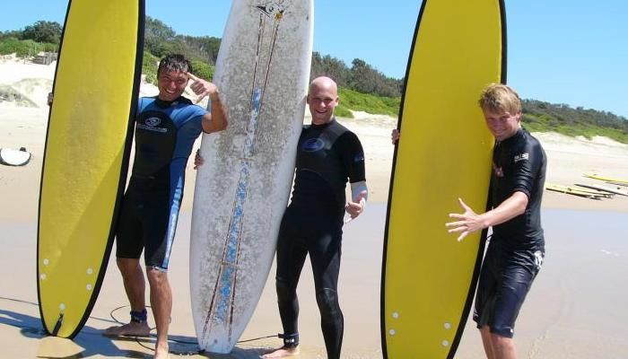 MOJOSURF BYRON BAY SURF SCHOOL - SURF LESSONS INCLUDES:Surf lessons& equipment Transportation from Byron Bay or Lennox Heads Beach Snack
