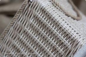 Фотоотчет о создании этой плетенки с картонным дном , подсказки по форме, плетение внутреннего бортика, как клеить ткань на картон,