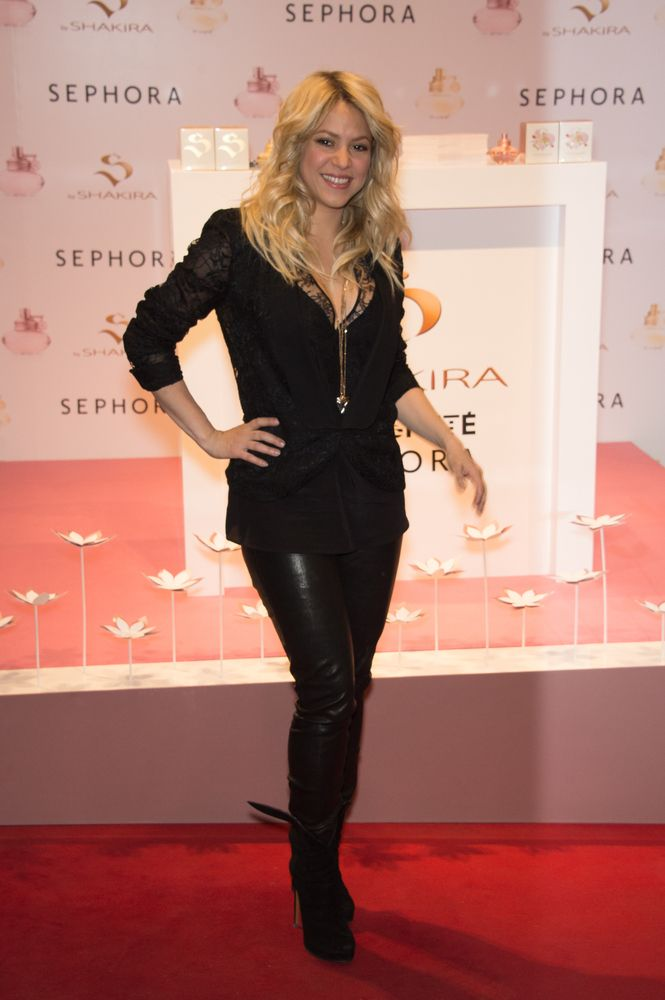 Shakira's 2014 Album Hits Stores On March 25
