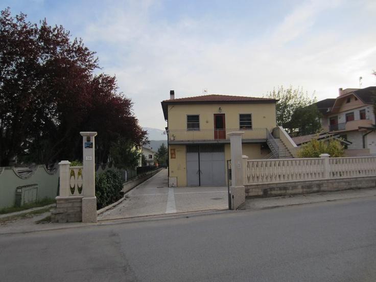 L'ingresso del museo a Paganica (AQ) Via S.S. 17 bis N. 39 - accanto al ristorante/hotel Parco delle Rose