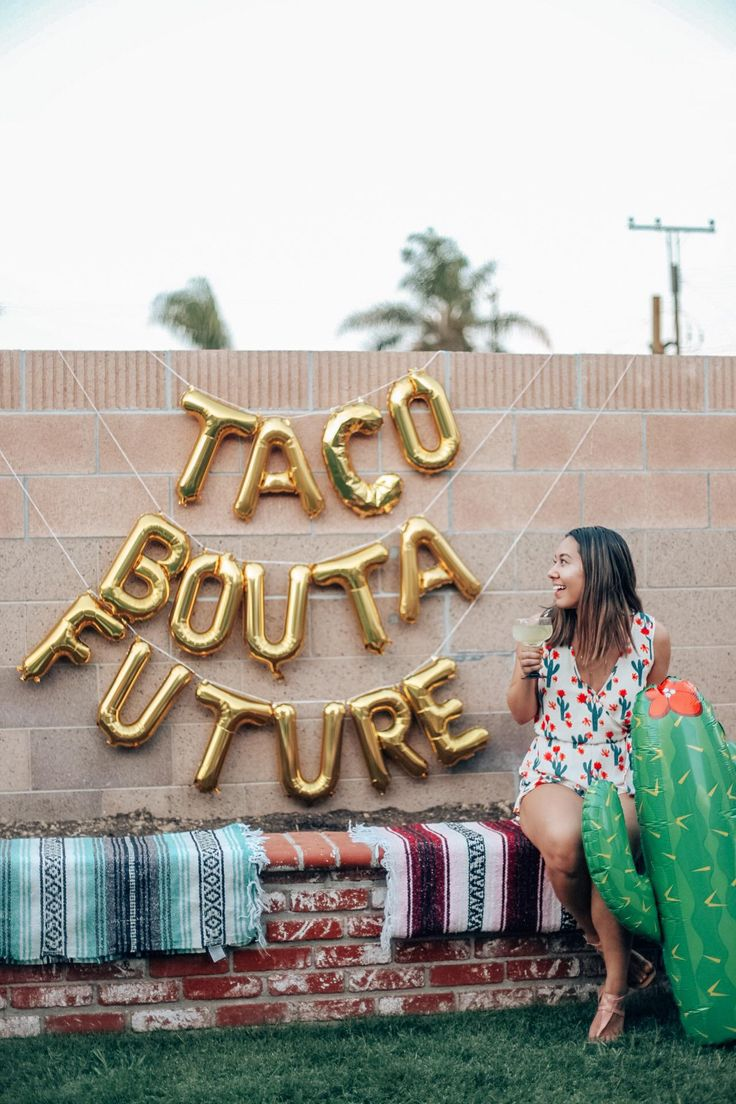 Taco fight for a future graduation Fiesta | Taco Bout a Future Balloons
