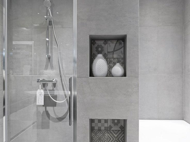 Jan van Sundert | Etten-Leur   #Badkamer #Betonlook #Tegels  #Nissen ! Meer inspiratie opdoen ? Bezoek www.janvansundert.nl