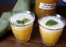 Освежающий коктейль на основе бурбона с чаем, апельсиновым и лимонным соком. Но особая прелесть этого напитка - в его консистенции. «Slush»