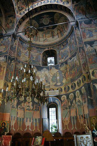 Kretzulescu Church, Bucharest, Romania, www.romaniasfriends.com