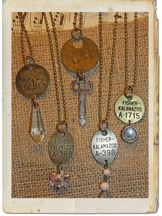 Great inspirational blog for creative, repurposed jewelry