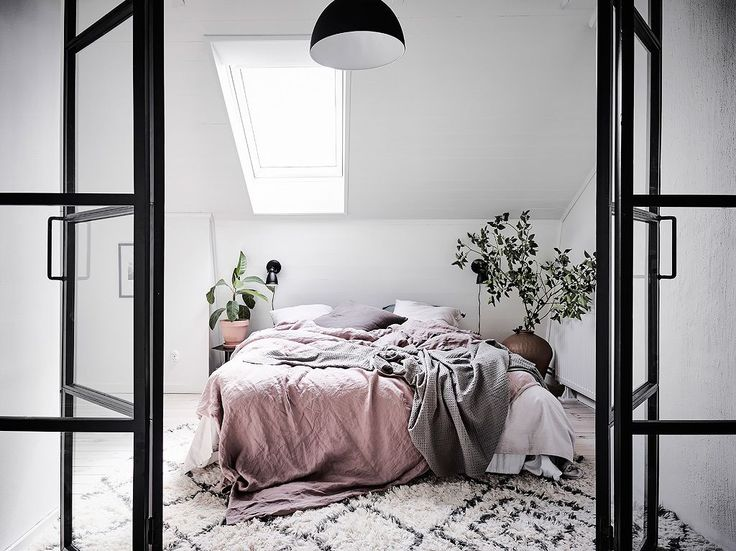 Gravity Home: Bright Apartment with Dreamy Bedroom
