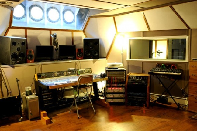 Lightship95 Recording Studio | Miloco Recording Studios - Ship recording studio