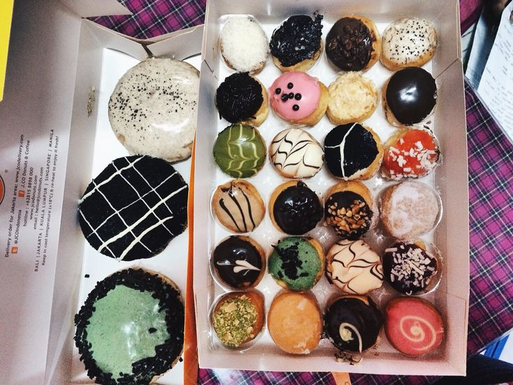 the babies from j.co donuts  photo : as her self donuts : J.co Malang - Malang City Point Mall - Indonesia