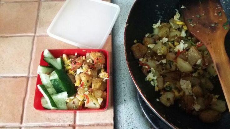 Sauteed Potatoes, Spring Onion & Eggs.. Walla!