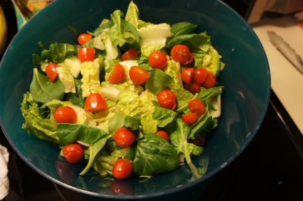 Biggest Loser White House Salad Recipe - Food.com - Lettuce, tomato, cucumber, basil, parsley, olive oil, lemon juice, honey...