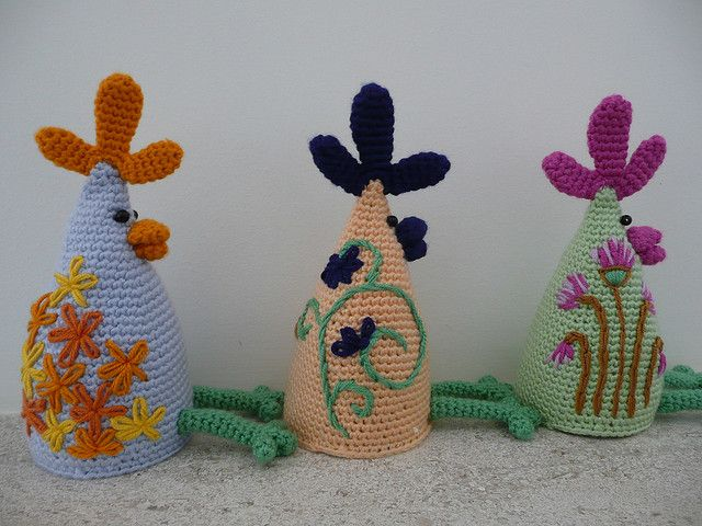 Homemade Easter Gift Ideas - Eggxtremely Funky Egg Cozies, and so many more Easter Crochet ideas. New FREE patterns.  http://www.free-homemade-gift-ideas.com/homemade-easter-gift-ideas.html