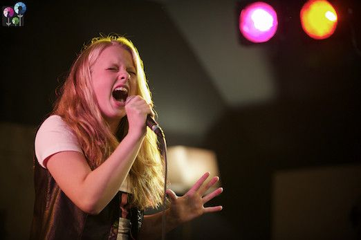 Anna Westerling wint Miss Summer on a Mission