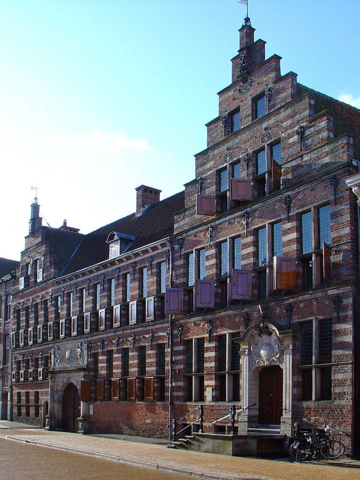 Oude rechtbank, Rijksmonument. Oude Boteringestraat, Groningen. Kijk voor meer informatie: http://rijksmonumenten.nl/monument/18633/oude+rechtbank/groningen/