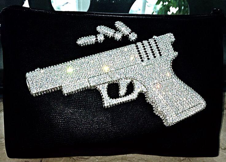 Medium handgun clutch Order pls WA +62 818 0850 6868