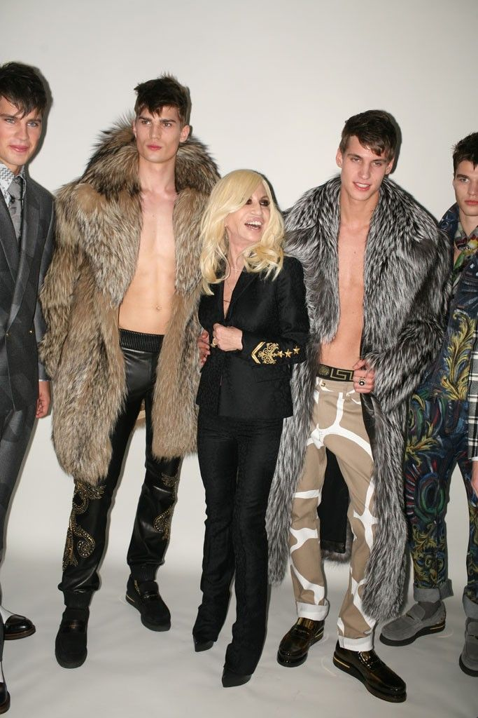 Versace - High End Fashion More Men's and Women's Fur Fashion Looks On @anandco #furfashion #furonline Add, Pin, Share!