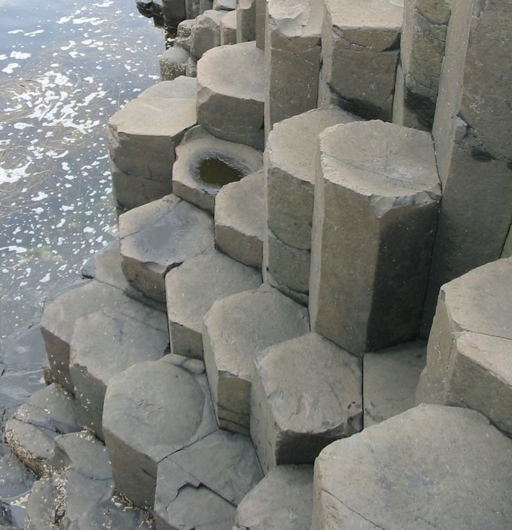 (Natural Rock Formation - Giant's Causeway)