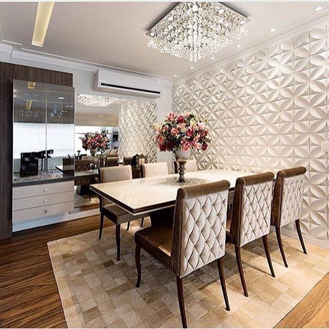 Ah que sala de jantar maravilhosa autoria de Rodrigo Fontanini ✨ | @decorcriative #saladejantar #sala #pendente #revestimento