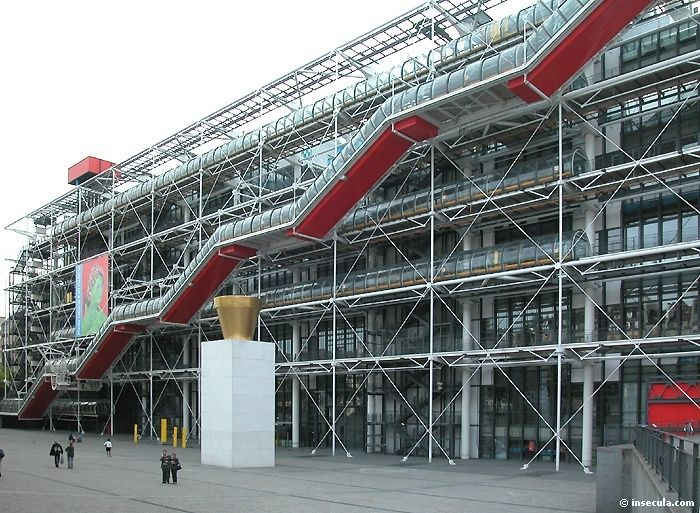 Hightech centre georges pompidou is a complex in the - Centre george pompidou architecture ...