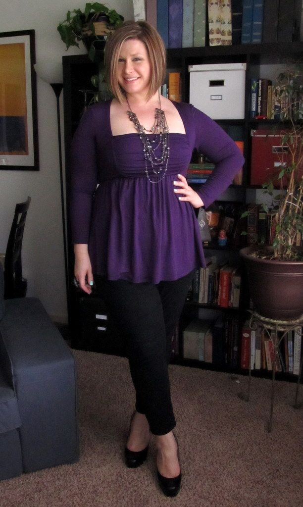 Jessica of the blog Surely Sonsy seen here wearing the Rylan Ruched Top by Kiyonna.: Curves 1X, Cute Tops, Squares Dance, Clothing Rylan, Clothing Styl, Size Fashion, Sure Sonsi, Ruched Tops, Kiyonna Clothing