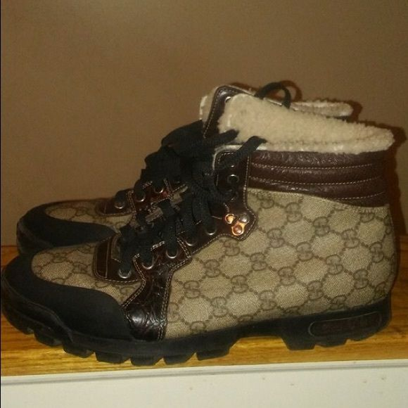 Gucci boots - rare boots In great condition - rare Gucci boot - crocodile and leather with fur lining Moore pics on request has # inside boots Gucci Shoes Combat & Moto Boots
