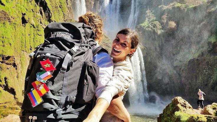 """Em fevereiro, a dupla Cheetah Platt e Rhiann Woodyard partiu com suas mochilas, de Los Angeles, na Califórnia (EUA) rumo a Bogotá, na Colômbia para iniciar umajornada: casar-se em vários locais do mundo. O plano é de se casarem 38 vezes durante 83 dias de viagem. """"Quando olhávamos preços de um casamento tradicional na Califórnia (onde vivem), achávamos tão caros e não senti nada especial"""", contou a noiva Rhiann ao site Buzzfeed, frisando que muitas mulheres gastam muito dinheiro e tempo…"""