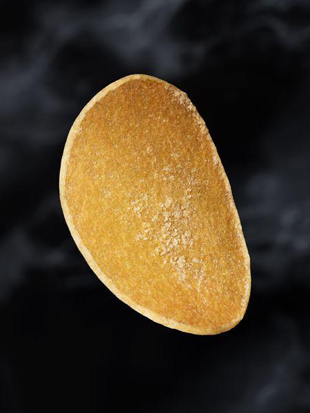 スウェーデンのビールメーカーのセント・エリック醸造所(STERIKSBRYGGERI)が、インディア・ペールエールに最も合うポテトチップスとして、北欧で利用可能な最高級食材と、スウェーデンを代表するシェフにより作り上げた「The world's most exclusive potato chips」が100箱限定で発売