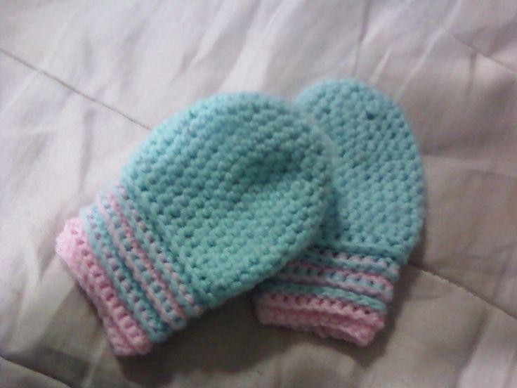 Tess's Patterns: Baby Mittens crochet