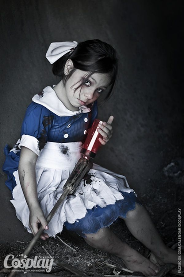 Crazy Good BioShock 2 Little Sister And Big Sister Cosplay
