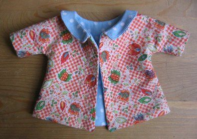 I had forgotten about this pattern from Molly Chicken ... beautiful! Jacket or a dress.
