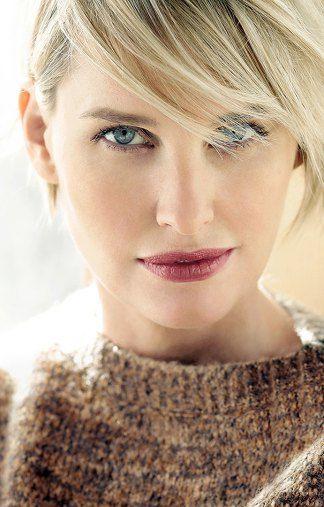 AnnKathrin - blonde Haare - blaue Augen - Greens Modelagentur