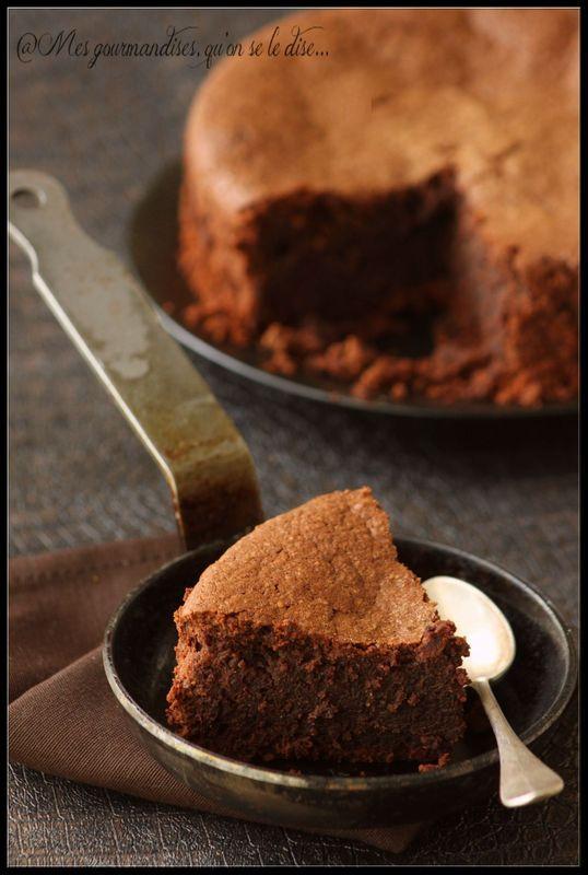 (French) Gluten Free Chocolate Cake ---- Gâteau au chocolat sans gluten (sans farine).