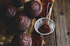 Muffin dietetici al cacao: una ricetta perfetta per chi cerca di mangiare sano senza dover rinunciare al piacere del cioccolato!