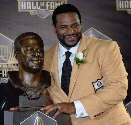 The Bus is now a member of the Pro Football Hall of Fame Class of 2015. Congratulations Jerome Bettis!!