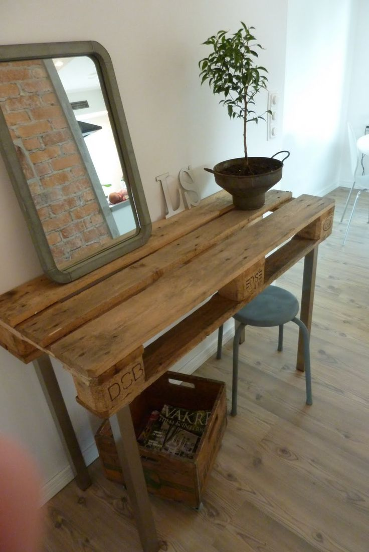 Makeup table of pallet / Sminkbord av en lastpall