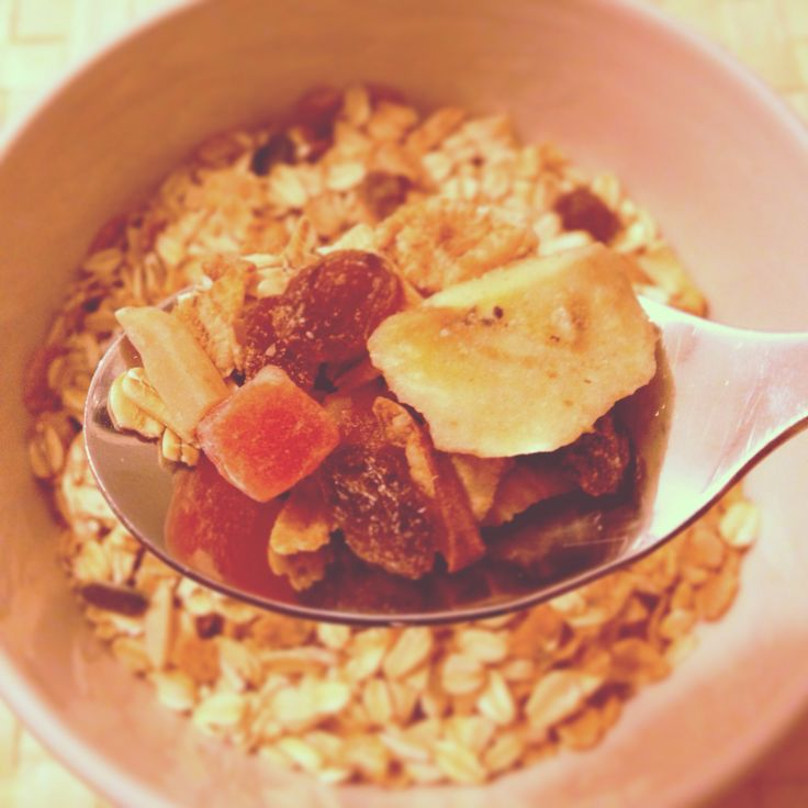 Everything you need in one bowl !!!! #muesli #fruit #cereal #desayuno