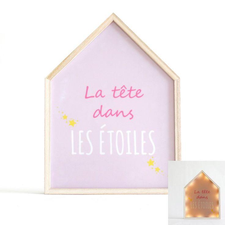"""Décorez la chambre de votre enfant grâce à ce tableau lumineux rose """"la tête dans les étoiles""""! Muni de nombreuses LED, il diffusera un éclairage doux pour votre enfant une fois allumé. Aux allures poétiques, ce cadre décoratif complètera à merveille une chambre de fille ou de bébé. Cette décoration inédite fonctionne à l'aide de piles et est facile à installer. Dimensions : 24 x 3 x 32 cm"""