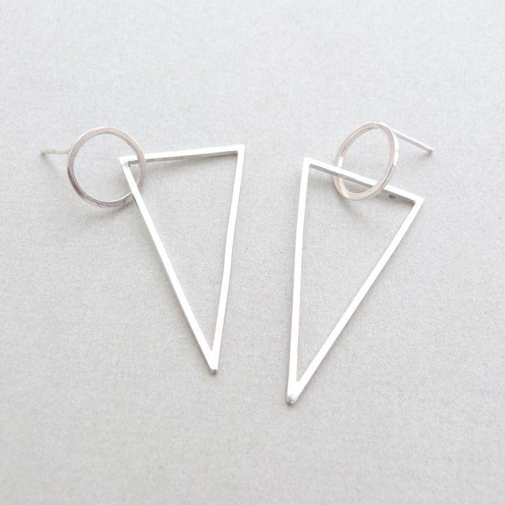 Cirlce/triangle earrings in silver // Minimal luxe handmade jewellery by Elin Horgan